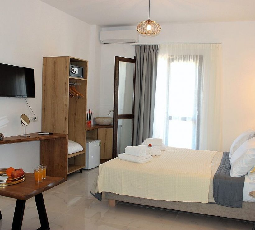deluxe-hotel-family-suites-sea-view-0004