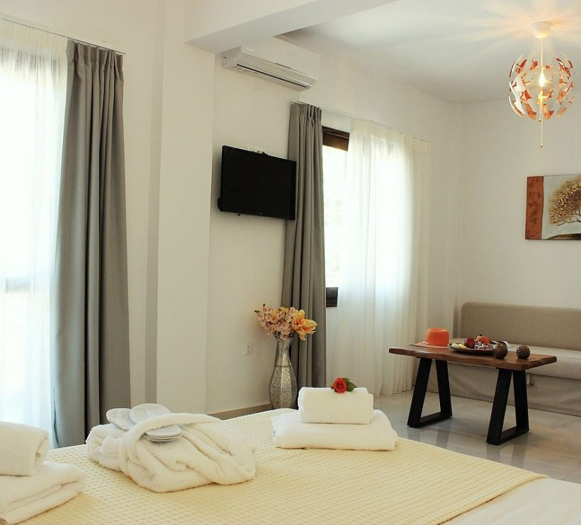 deluxe-hotel-triple-sea-view-0008